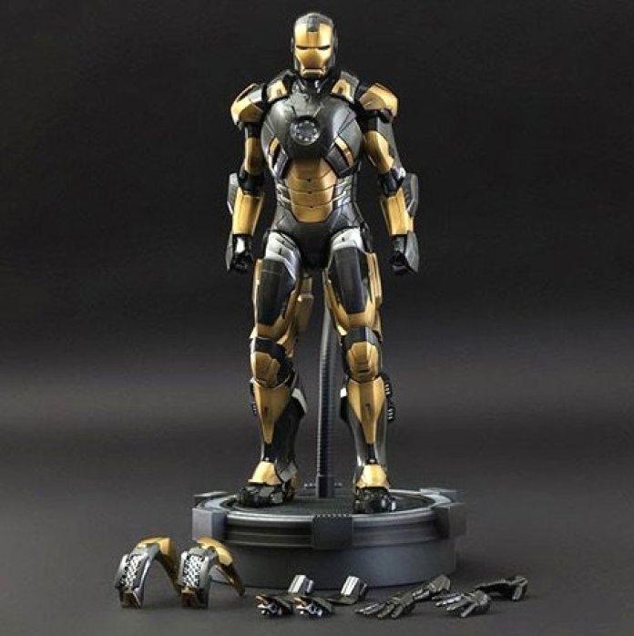 Vamers - Geekmas Gift Guide - Iron Man 3 - Mark XX Python Summer 2014 Toy Fair Exclusive