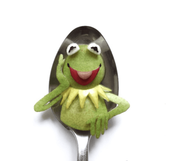 Vamers - FYI - Artistry - Food - Ioana Vanc - Geeky Edible Artwork Created on Spoons - Kermit