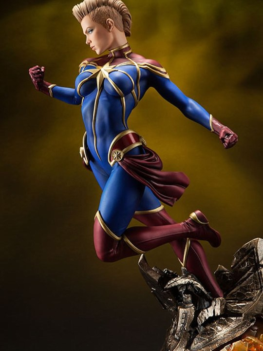 Vamers Store - Sideshow Collectibles - VS-SSC-PFF-CM - Premium Format Figure - Captain Marvel - 13
