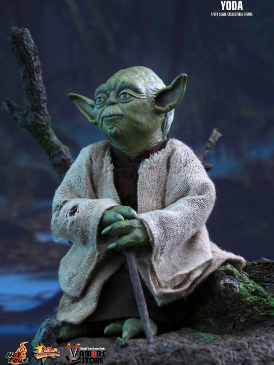 Vamers Store - Hot Toys - MMS369 - Disney's Star Wars Episode V The Empire Strikes Back - Yoda Sixth Scale Collectible Figure - 01