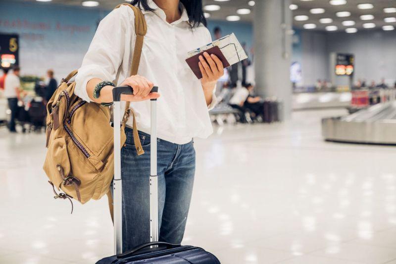 Aguardando embarque em aeroporto da Europa