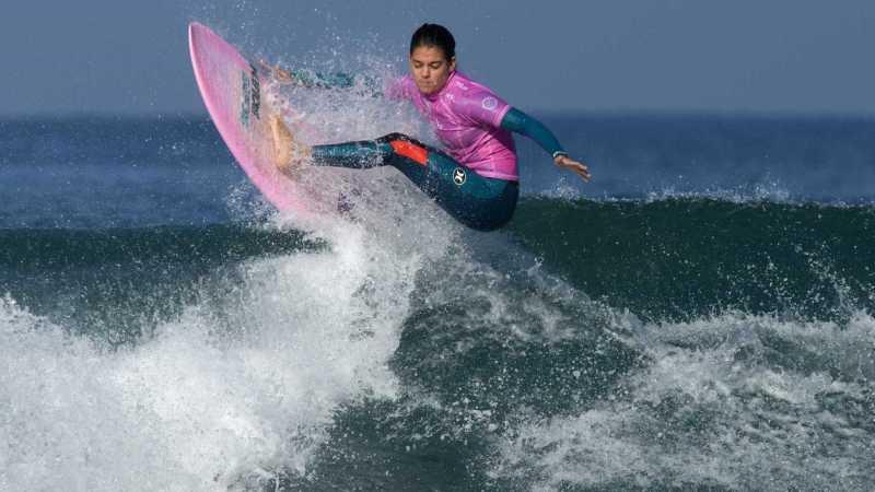 A surfista Carol Henrique em Bali - Maior arquipélago do mundo