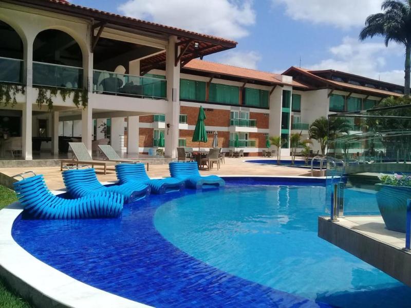 piscina do hotel village premium em campina grande
