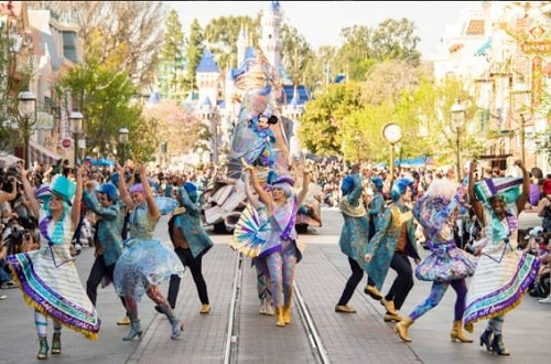 Magic Happens el nuevo desfile en Disneyland