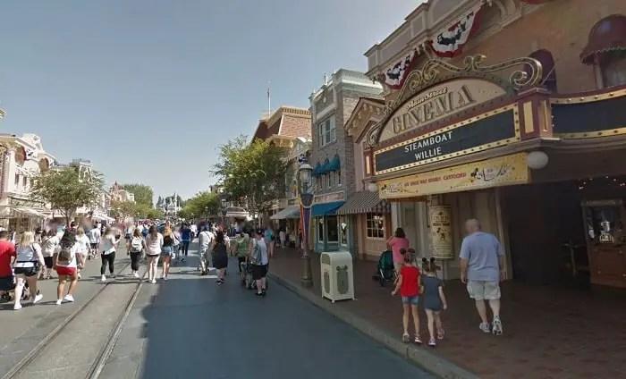 Recorre los parques Disneyland con Google Street View