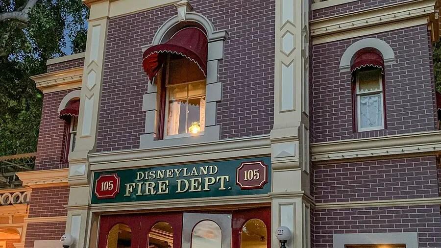 ir primero a Disneyland para ver Apartamento de Walt Disney