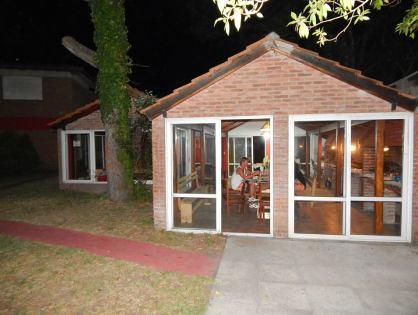 VILLA GESELL: 38 Duplex en 9 bloques para 2,4,5,6 y 8 personas en un marco natural estilo Country