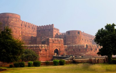 O forte de Agra, de onde Shah Jahan passou seus últimos dias contemplando a suntuosa Taj Mahal