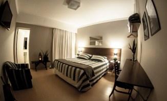 Um dos quartos de casal do hotel Stefano.