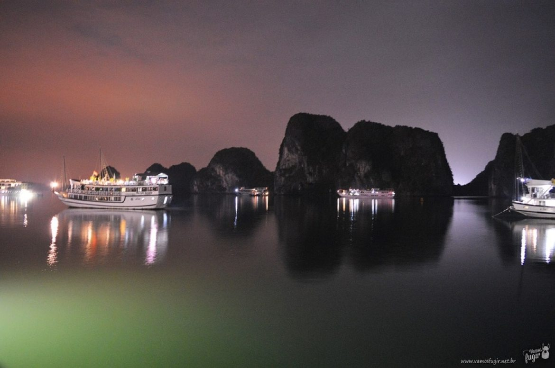 Halong Bay à noite