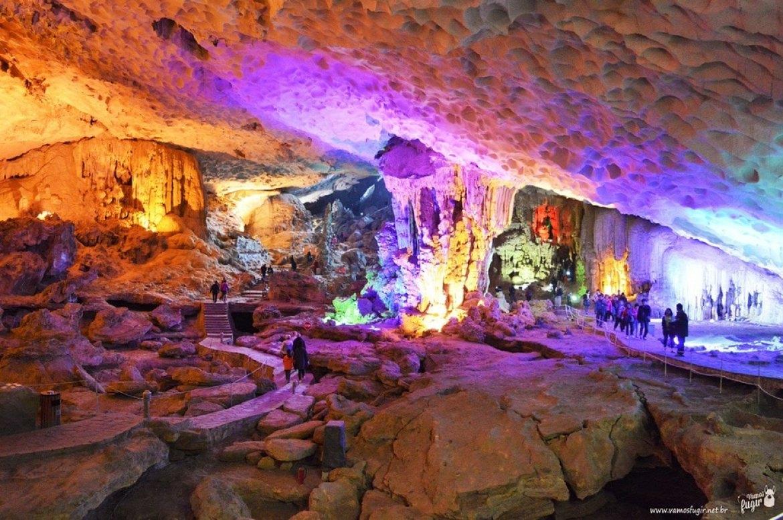 Surprise Cave, halong Bay