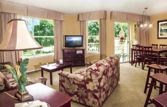Sala do hotel Parc Corniche em Orlando