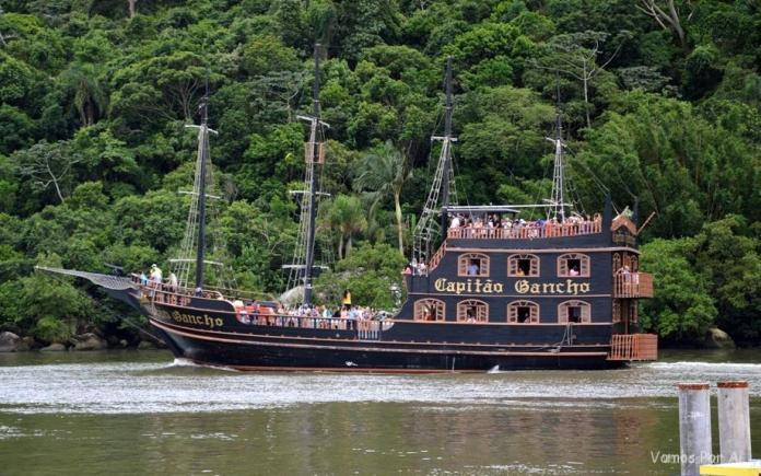 Navio Pirata Balneário Camboriú