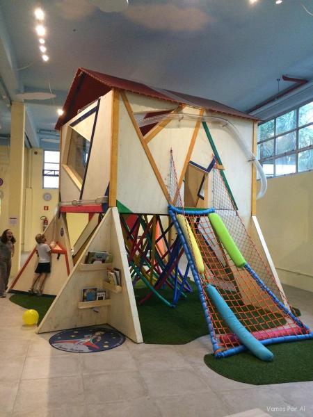 Espaço das Estações Lúdicas no Museu da Imaginação em São Paulo