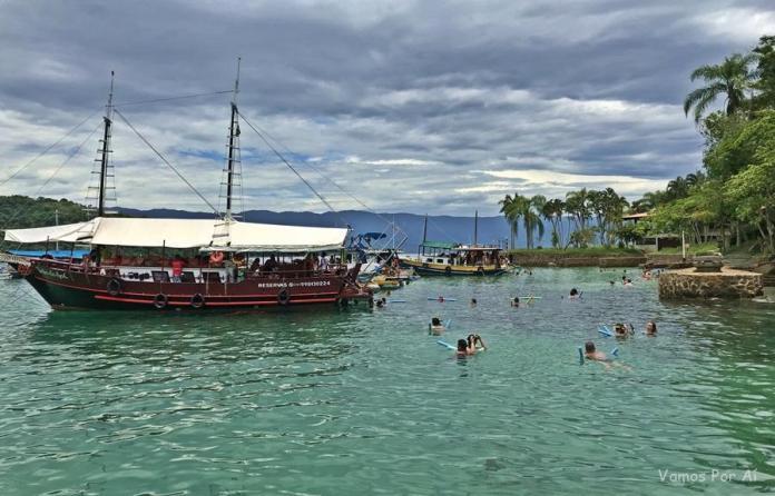 Nossas melhores viagens: passeio de escuna em Paraty