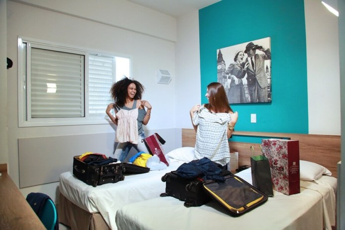 Quarto de Solteiro - Hotel Mega Moda