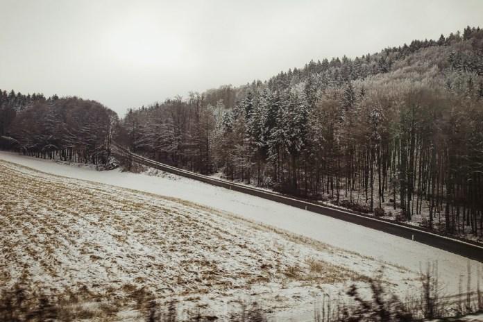 é melhor viajar de trem dia ou de noite
