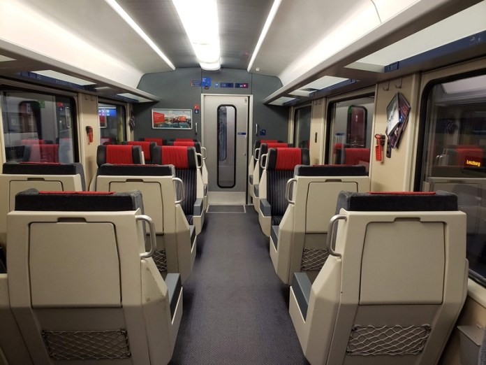 diferente entre primeira e segunda classe do trem, trem na europa