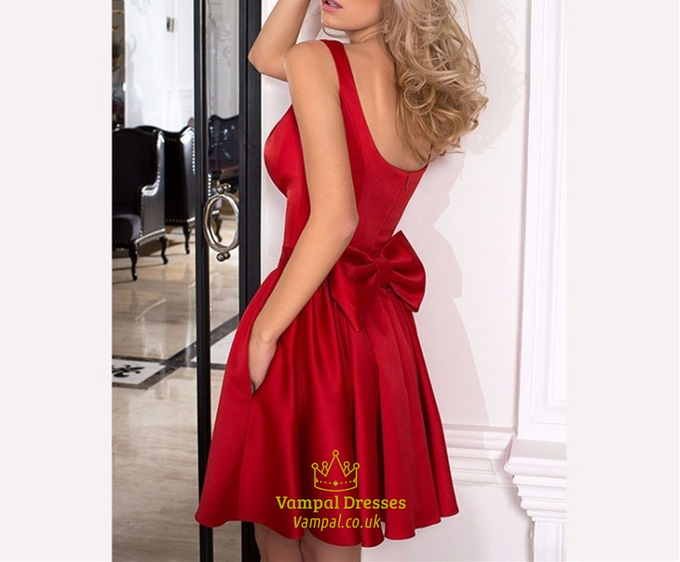 Red Sleeveless Square Neck Cocktail Dresses With Back Out