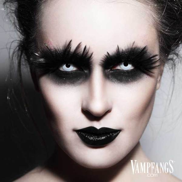 Vampfangs - Whiteout Zombie Halloween Contact Lenses