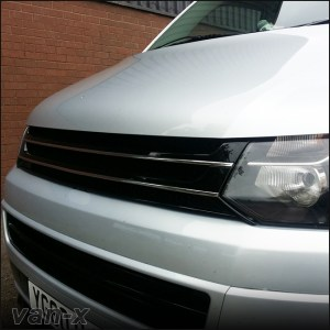 PIANO BLACK Front Badgeless Grille for VW Volkswagen T5.1 *CLEARANCE* [B GRADE] -7751
