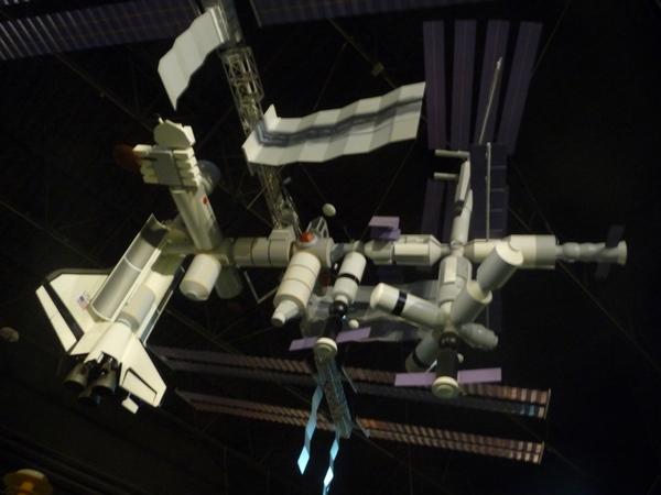 太空馆展出各式模型