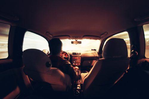 october-blogs-car-407166_1920