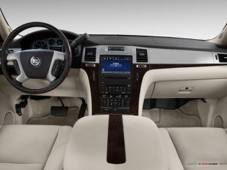 2012_cadillac_escalade_dashboard