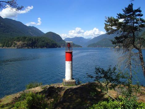 "Small ""lighthouse"" beacon at north end of the north Twin Island"