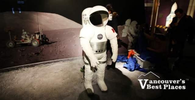 Astronaut Display for Photos
