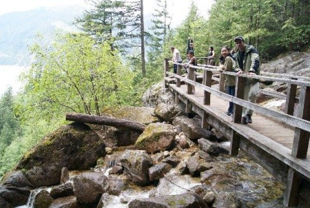 Stawamus Chief trail