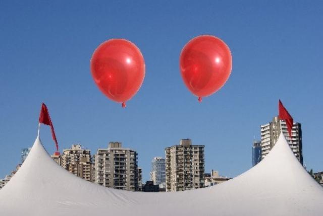 Vancouver Bard Balloon Smiley Face