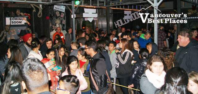 Potter's Haunted House Crowds