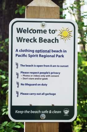 Wreck Beach Sign