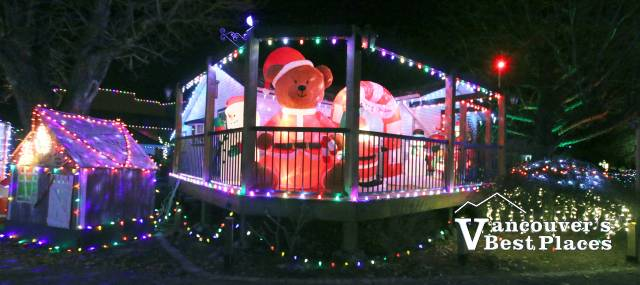 Petey's Country Christmas Decorations