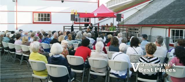 Music at the Cannery Concert Audience
