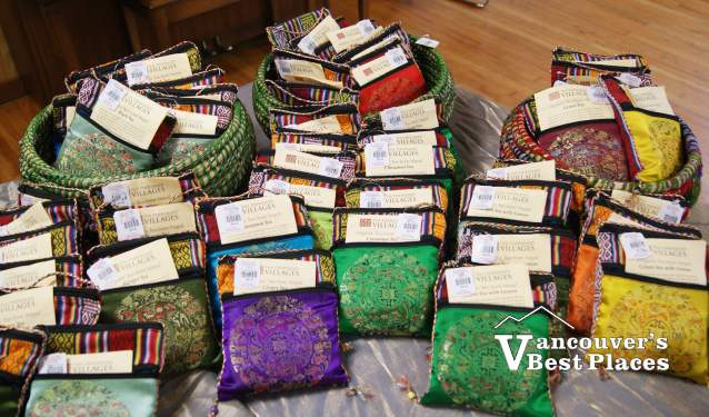 Ten Thousand Villages Product Display