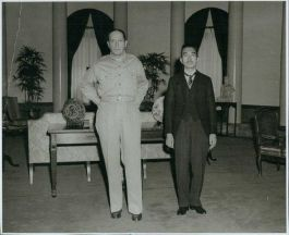 Douglas Mac Arthur en keizer Hirohito