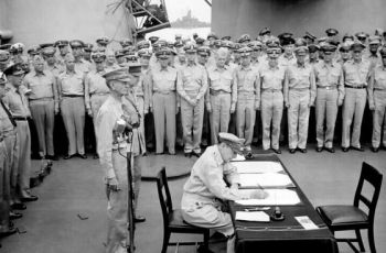 Ondertekening van de overgave aan boord van de USS Missouri