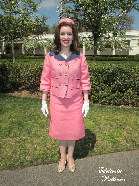 jackie-kennedy-pink-suit