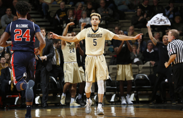 Fisher-Davis scores 33 as Vanderbilt routs Auburn 80-61