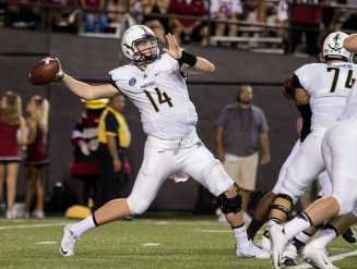 Kyle Shurmur (14) as Vanderbilt lost against the South Carolina Gamecocks 13-10 at Vanderbilt Stadium September 1, 2016.