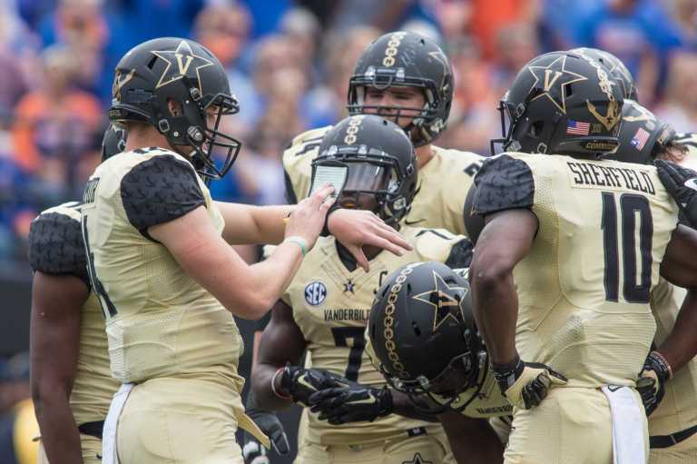 Huddle as the Florida Gators defeated Vanderbilt 13-6 October 1, 2016 at Vanderbilt Stadium.