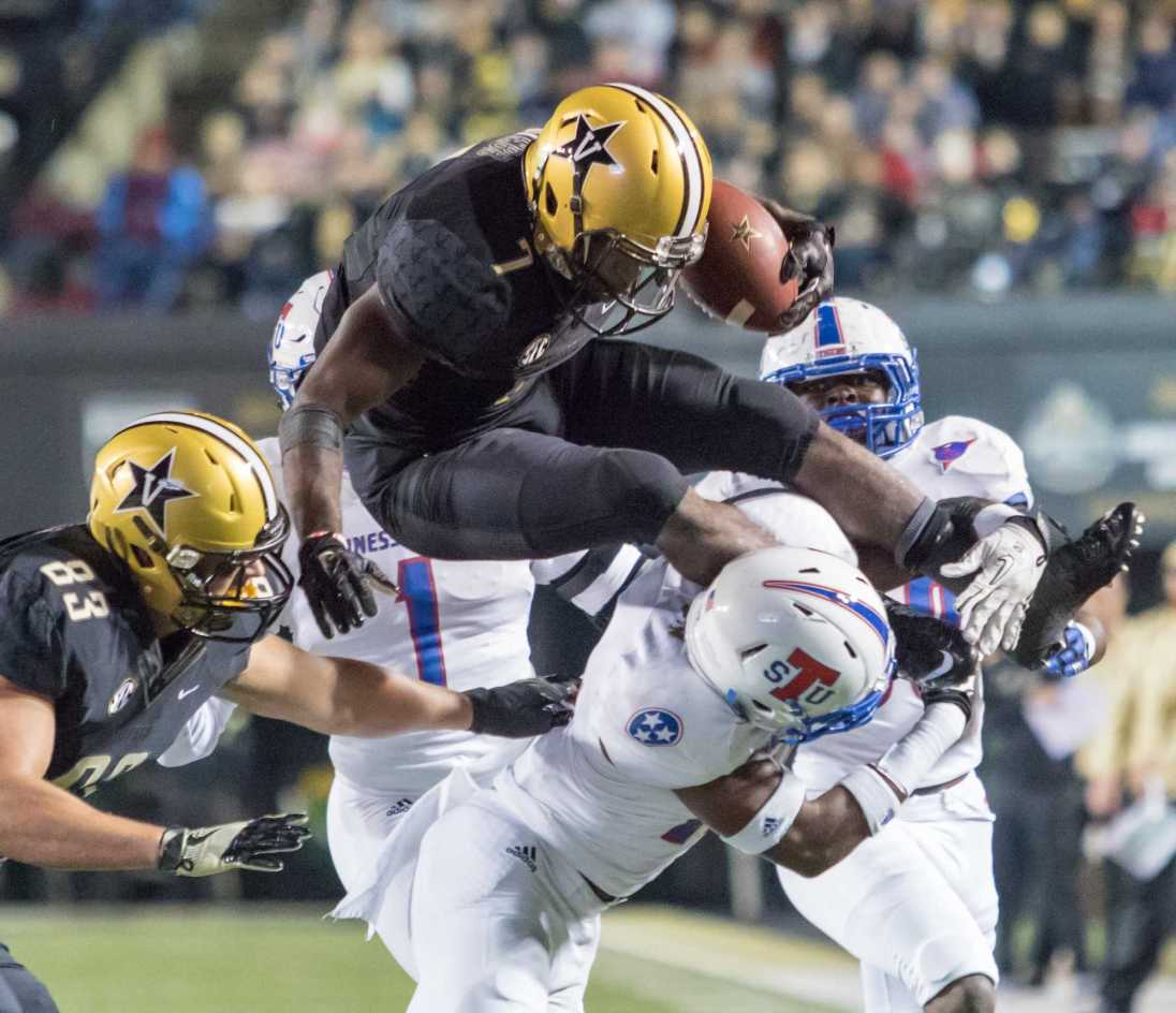 Ralph Webb (7) as Vanderbilt defeated Tennessee State 35-17 on Homecoming at Vanderbilt Stadium October 22, 2016. (Ziyi Liu/ The Vanderbilt Hustler)