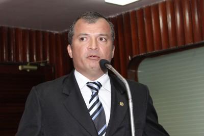 Trócolli Júnior visitou associação (foto de assessoria)