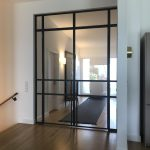 Stahl-Loft-Tür geschlossen