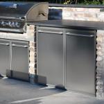 Außenküche gemauert mit Edelstahlfronten