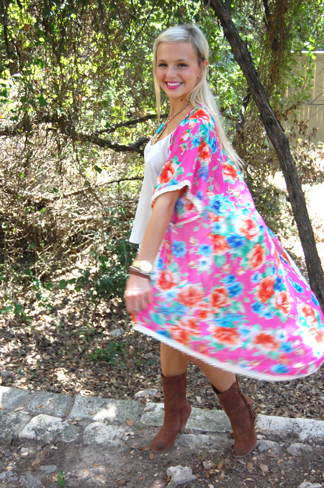 6-kaleidoscopic-kimono-colorful-vandi-fair-fashion-festival-style-outfit-blog-blogger-lauren-vandiver