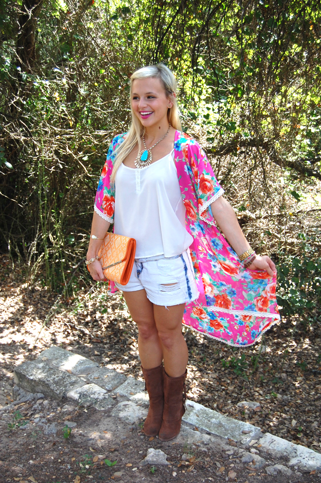 kaleidoscopic-kimono-colorful-vandi-fair-fashion-festival-style-outfit-blog-blogger-lauren-vandiver