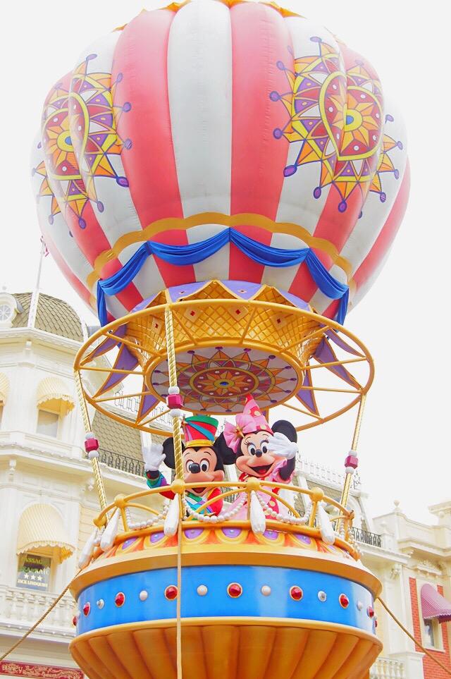 mickey-minnie-balloon-disney-world-parade